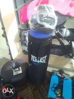 Everlast Punching bag w/gloves, ex UK