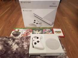 Hi For sale Xbox One S 500gb and 5 games