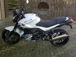 BMW R1200R ''Dark White''