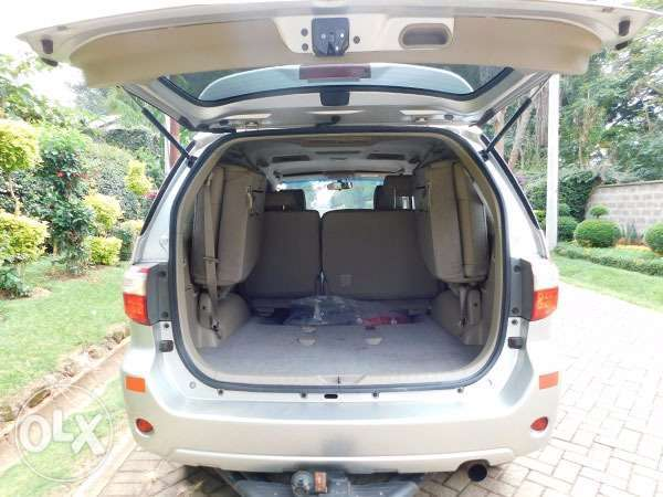 mint condition toyota fortuners Gigiri - image 6
