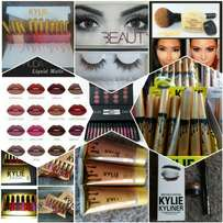 Kylie.Huda.banana powder available