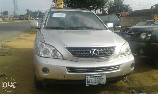 Neatly used lexus rx 4oo h for sale Port Harcourt - image 6