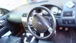 Ford mondeo good conditions,service book available,service history
