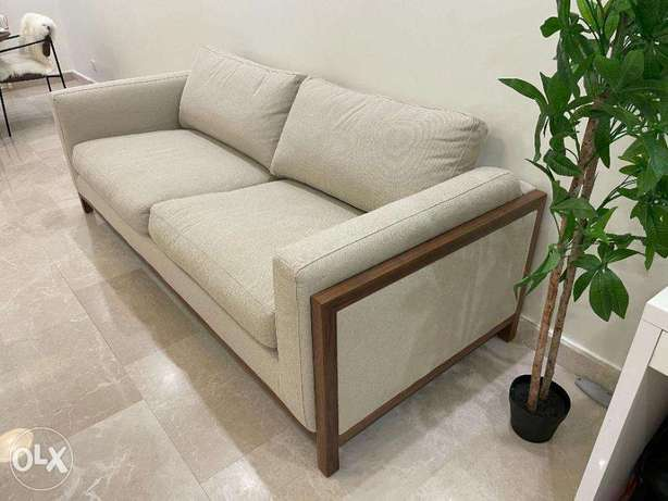 3 seater sofa in brand new condition