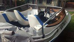 17 foot BOWRIDER 6 seater