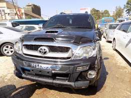 Black Toyota Hilux Vigo 4 by 4,2009 Model,3000cc,Leather Seats,Allorim