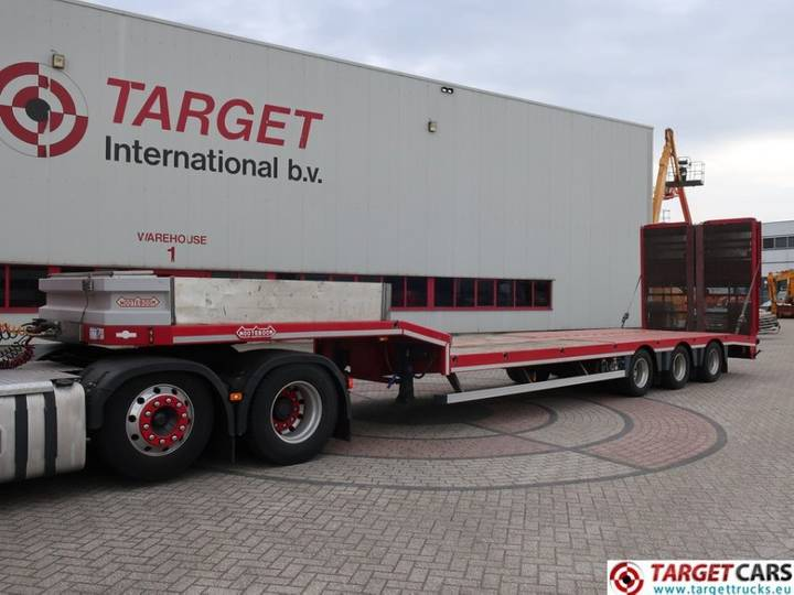 Nooteboom OSDS-41-03 Semi 3-Axle Low Loader trailer w/ramps - 2013