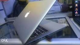 Lovers of apple MACBOOK PRO corei5 4gb 500gb 2.5ghz backlight 13 inch