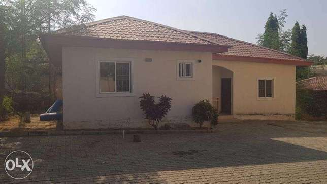 sweet 2 bedroom Bungalow in spacious compound (Negotiable) Gwarinpa Estate - image 1