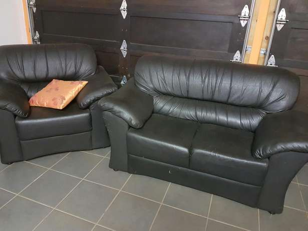 Leather couches Krugersdorp - image 3