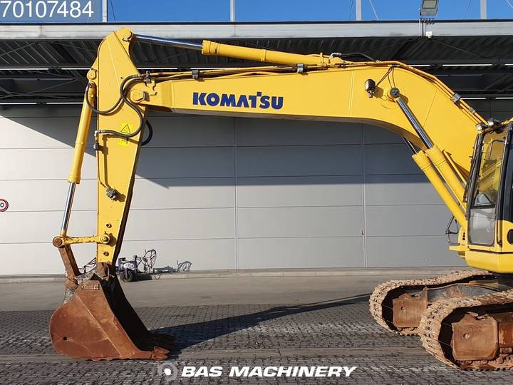 Komatsu PC200-8 Nice and clean condition - 2016 - image 6