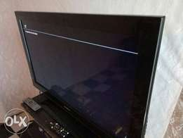 selling Sony Bravia 32 inch tv