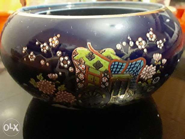 Very old hand painted Japanese bomboniere