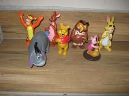 Winnie the Pooh - set of 7 figurines or cake toppers