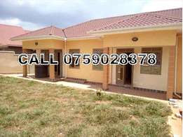 Serene 2 bedroom house for rent in Kigunga-seeta at 350k