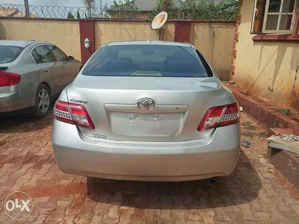 Urgent sales cheap Just landed clean 2010 Toyota Camry Benin City - image 2