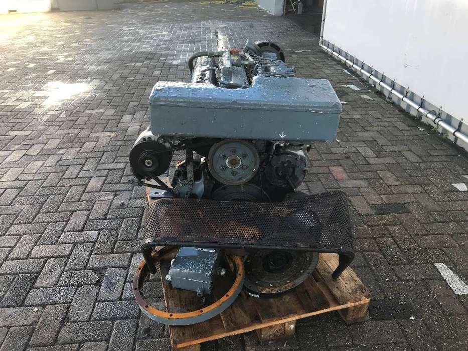 MAN 6 660E Marine Diesel Engine - DPX-11737 - 1999 - image 7