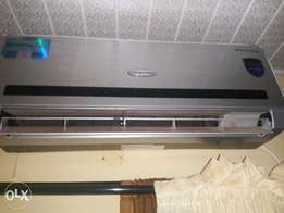 clean 1.5Hp thermofrost inverter A.C. cools very well and works perfec
