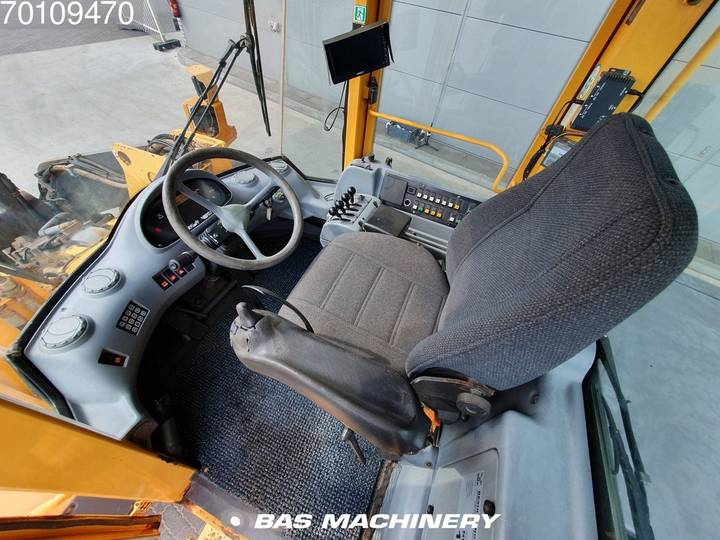 Volvo L120E From first owner - nice machine - 2003 - image 14