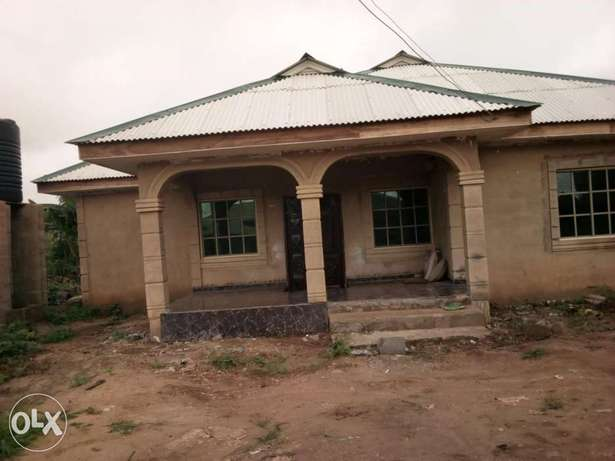 Newly built 3 bedroom house for urgent sale. Ijebu Ode - image 4