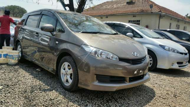 Clean newshape Toyota wish choice of 2010model.buy on hire-purchase Lavington - image 3