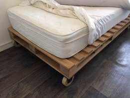 3/4 Pallet Bed with Mattress