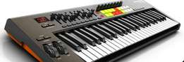 Novation Lauch key 49 midi controller