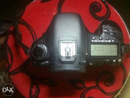 4month old Canon 7D for sale