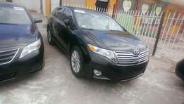 Extremely clean tokunbo 2010 venza basic