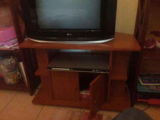 "COMBO PACKAGE PRICED TO SELL. 21""LG TV, DVD and Cabinet with Storage Langata - image 3"