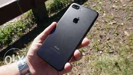 IPhone 7 plus 128Gb With screen protector and cover