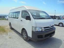 Toyota Hiace 9L 2WD Diesel 18 seater 3000cc Auto White Ksh. 3.0 M