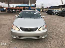 Clean Tokunbo 2003 Toyota Camry XLE V6