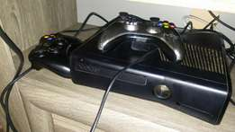Xbox 360 for sale R3500 9games 2 remotes