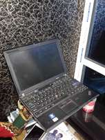 Lenovo Thinkpad x201 core i5 2.6GHz 320GB/4GB RAM