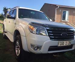 Ford Everest 3.0TDCI XLT 4x2