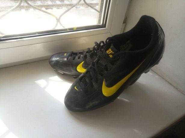 5c1cb11a0 Продам бутсы для футбола Nike 44/45: 999 грн. - Футбол Харьков на Olx