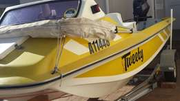 Boat Viking 4,2 Meter Yamaha 50kw auto Lube Trim and tilt with taile