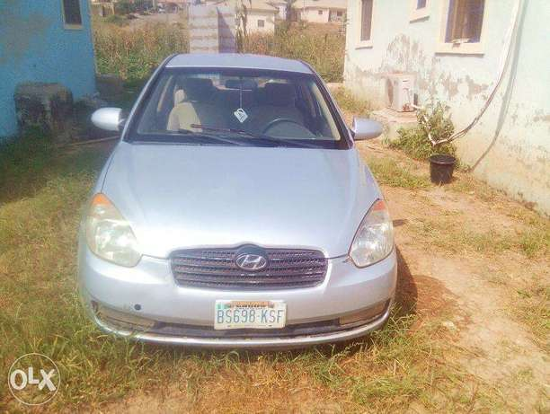 Very Clean Hyundai Accent 2008 for urgent sale. cool a/c Buy and Drive Abuja - image 3