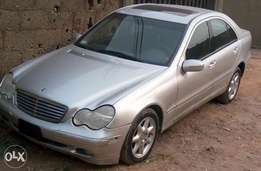 Benz C240 toks, very clean and sharp 2004 model