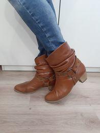 Сапожки - Жіноче взуття - OLX.ua bb7102b84f34d