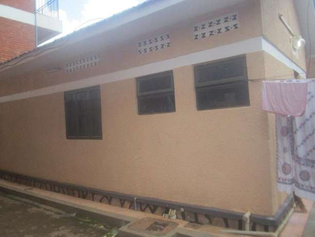 Come ready to enter double in Kisaasi at 350k Kampala - image 3