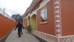 an executive two bed roomed house 4 rent in namugongo
