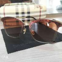 Burberry brown sunglass.