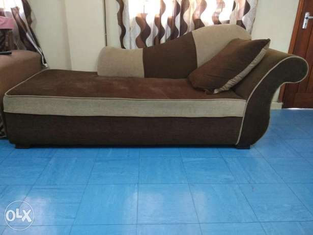 Sofa 7 seater , bed king size and coffee table for sale Ngara East - image 1