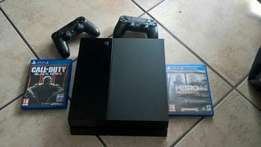 Playstation 4 500GB console - 2 controllers - 3 games