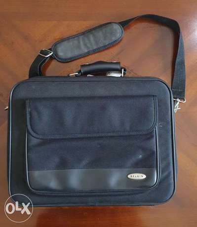 Laptop Carry Bag - Belkin Brand