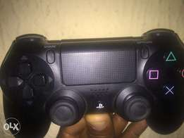 Play Station 4 Dual Shock wireless Controller