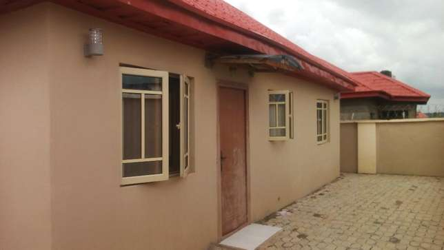 3 Convenient Bedroom Duplex Apartment For Sale., active Wuse II - image 1