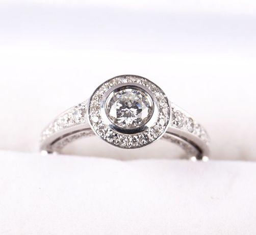 Эксклюзивное женское кольцо с бриллиантами  3 450   - Ювелірні ... f0160c96cafa8